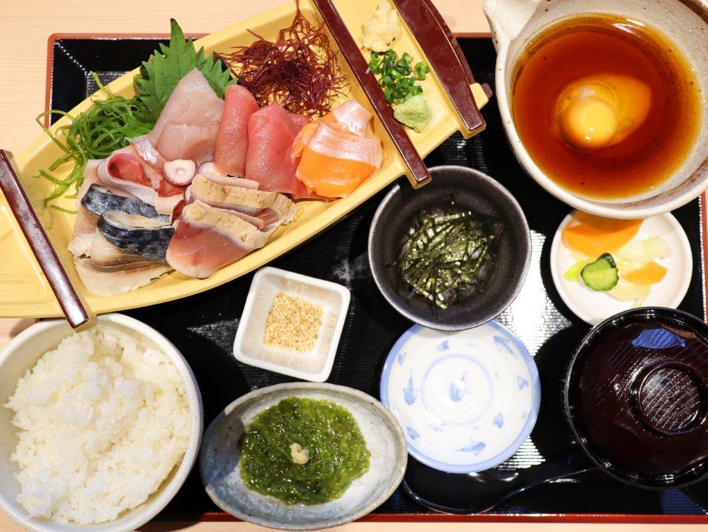 地元海鮮食堂天海 松島離宮 宮城三陸ぶっかけ丼