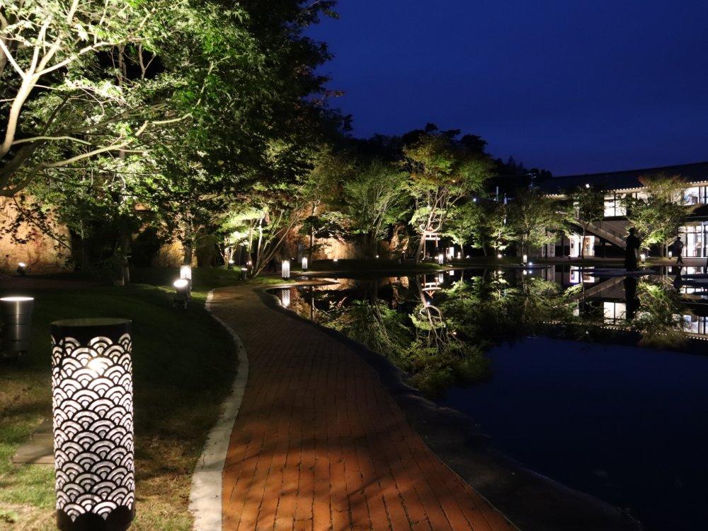 松島離宮の庭園ライトアップ
