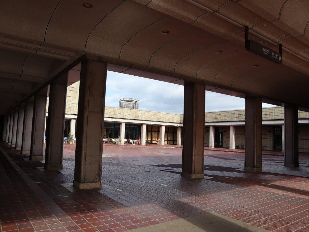 宮城県美術館 中庭