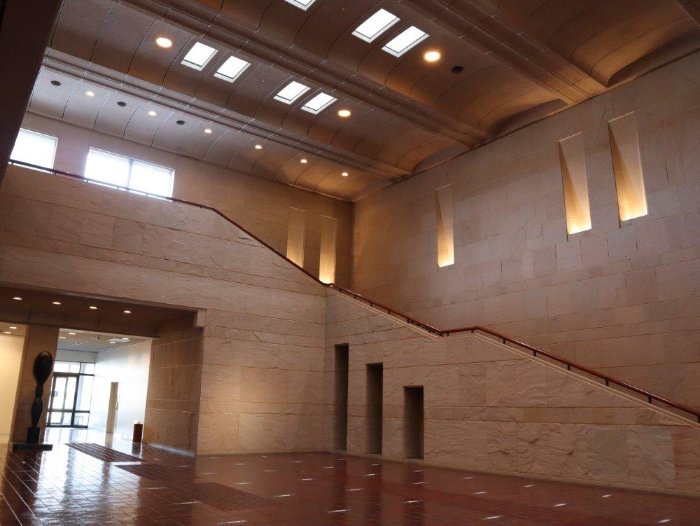 宮城県美術館の内部