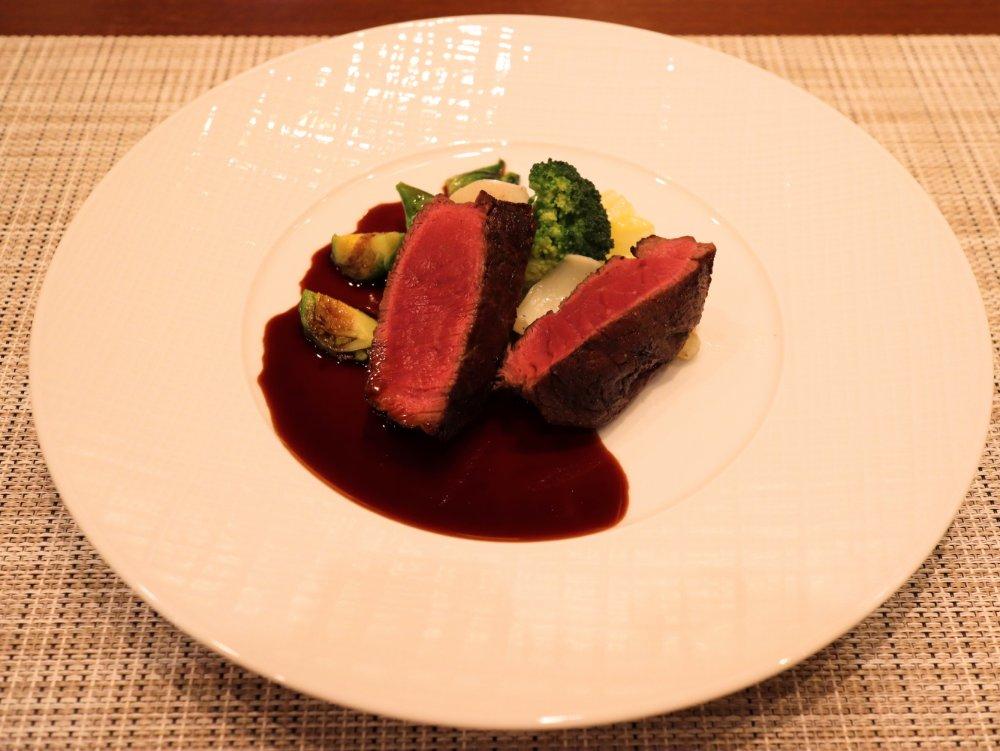 ニュージーランド産牛フィレ肉の赤ワインソース