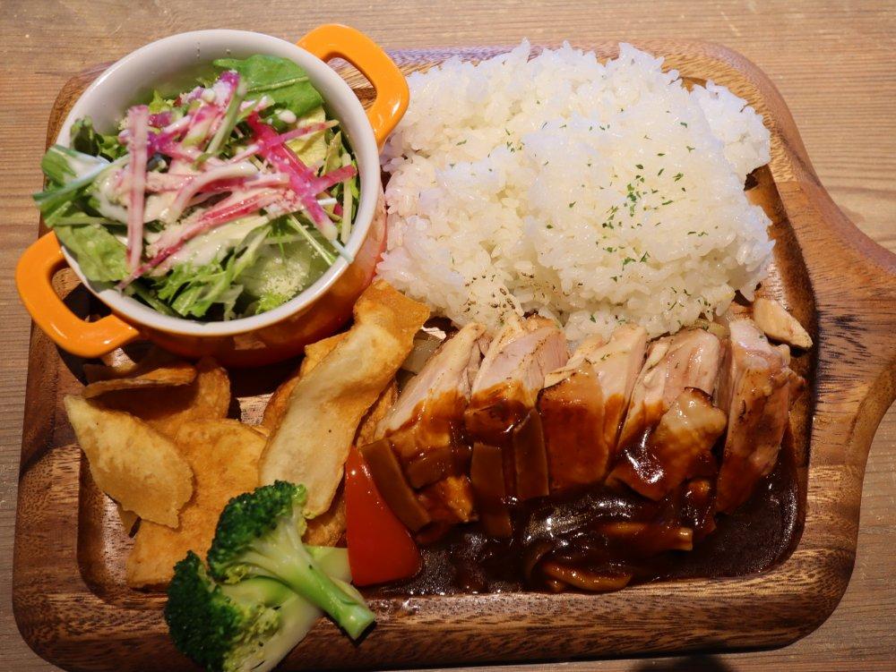 仙台キッチンのお肉ランチ