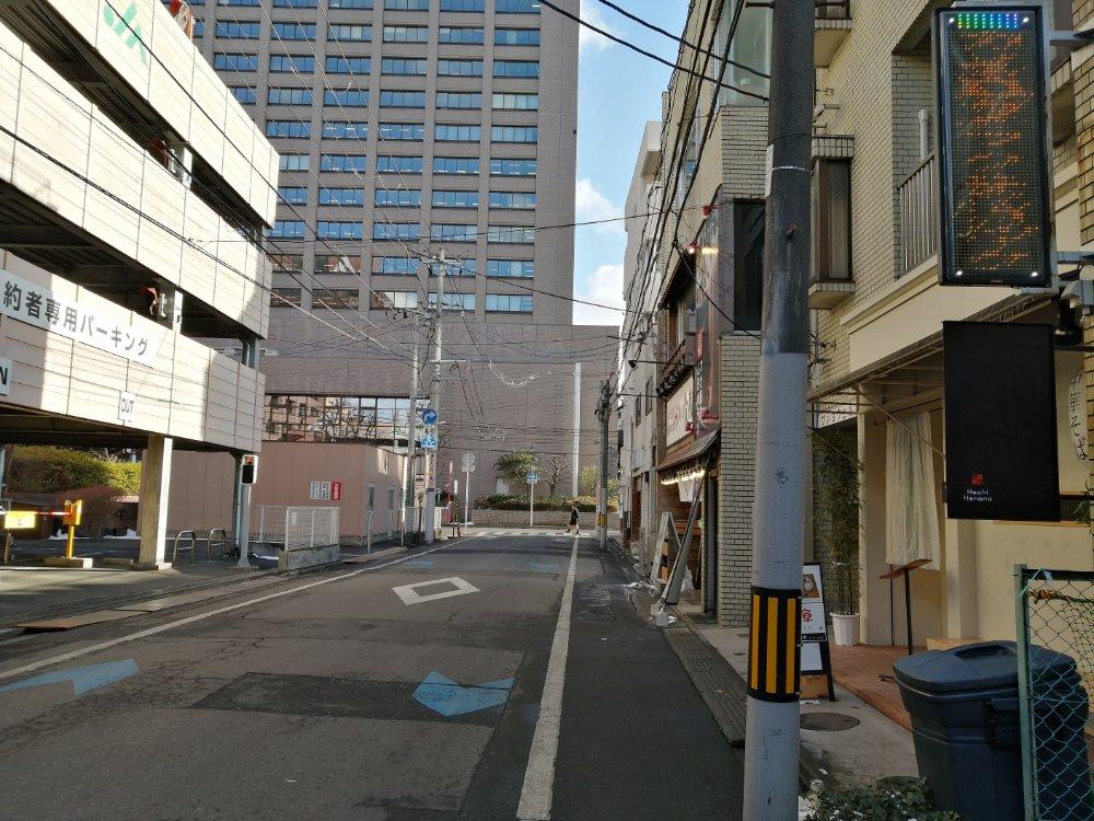 宮城県庁裏の路地