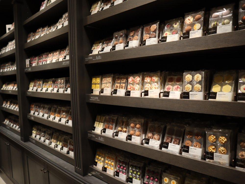 ホテルショコラ仙台のチョコレートディスプレイ