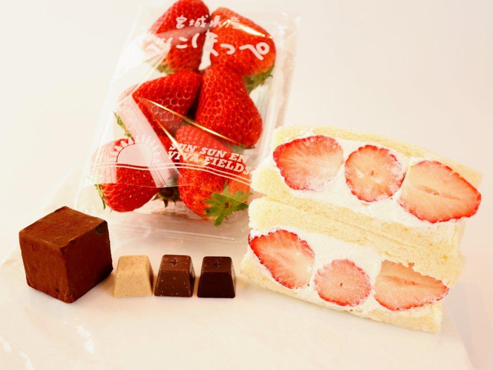 フルーツサンドやチョコレート、いちご