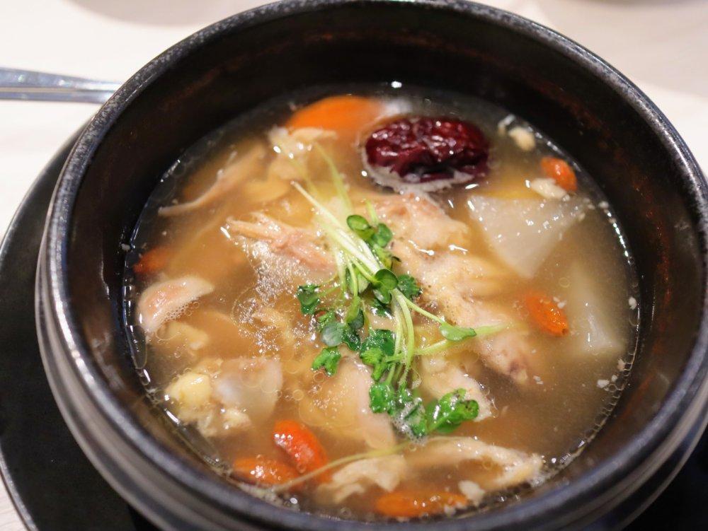 参鶏湯スープ