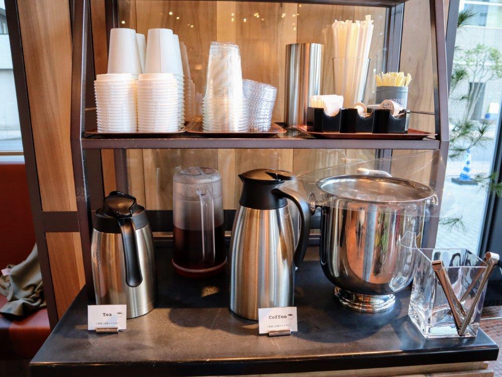 紅茶、コーヒーが無料で飲み放題