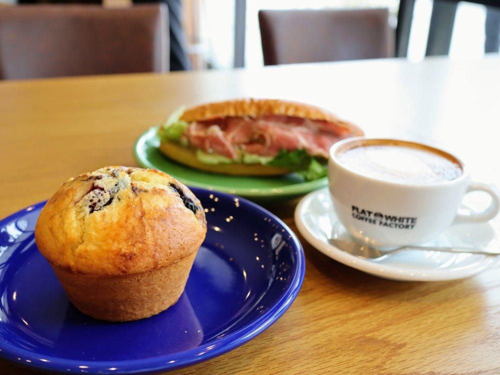フラットホワイトコーヒー仙台長町店でモーニング