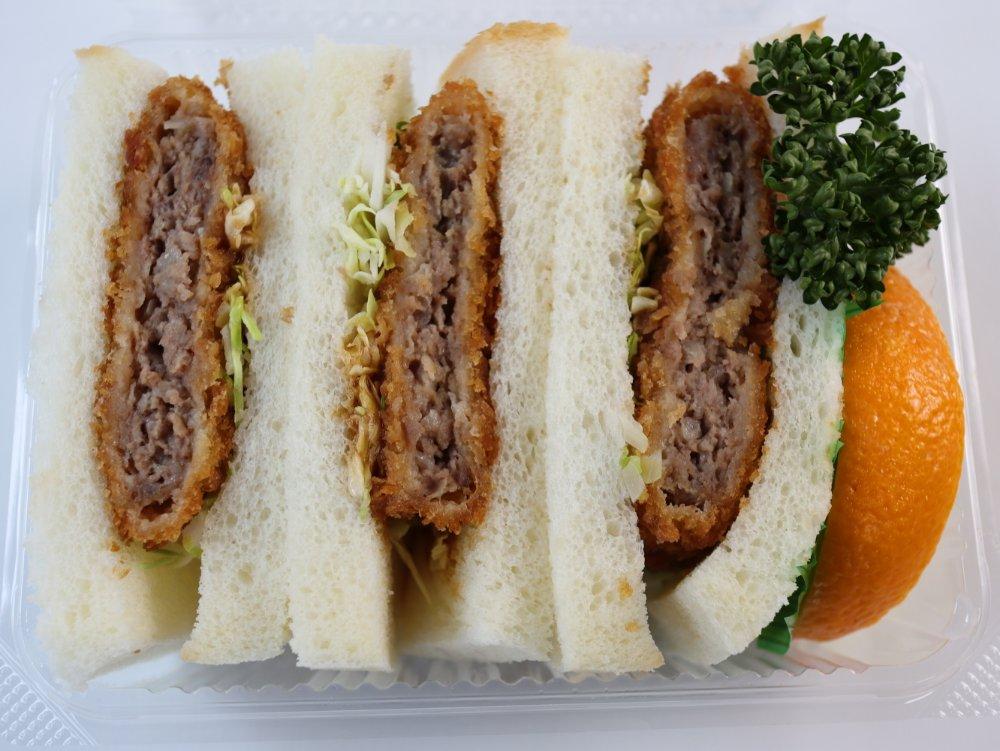 肉のいとう 仙台牛メンチカツサンド