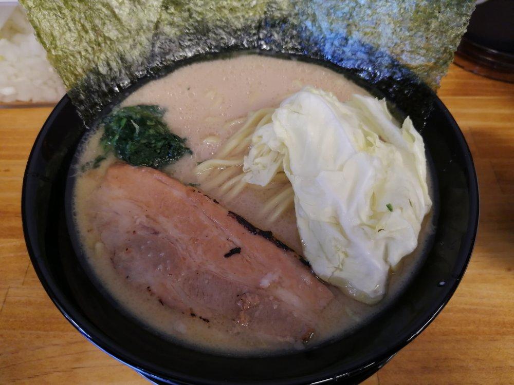醤油豚骨ラーメン小 麺1.5倍