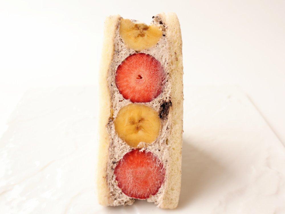 オレオいちごバナナフルーツサンド