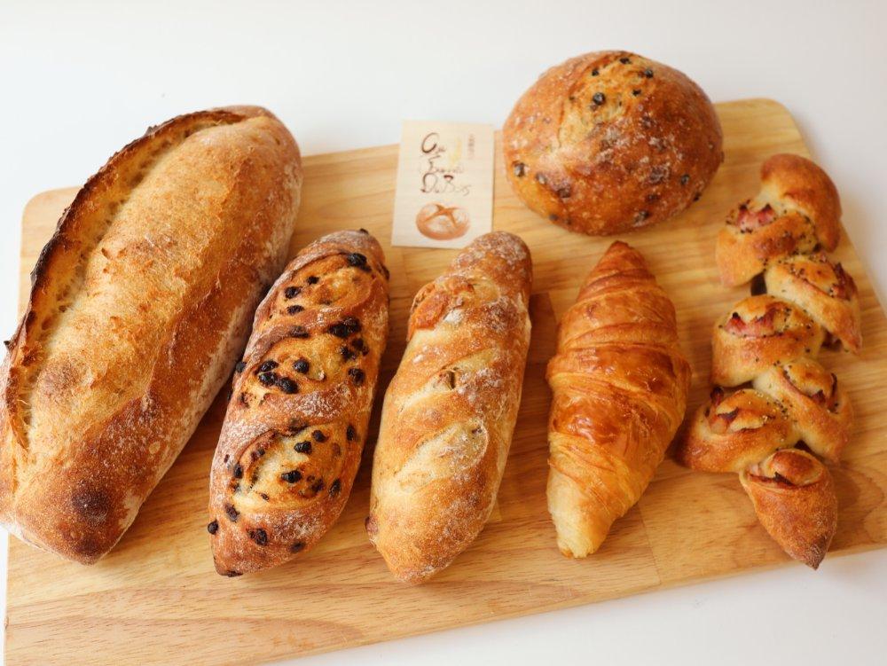 オフルニルデュボワのパン6種