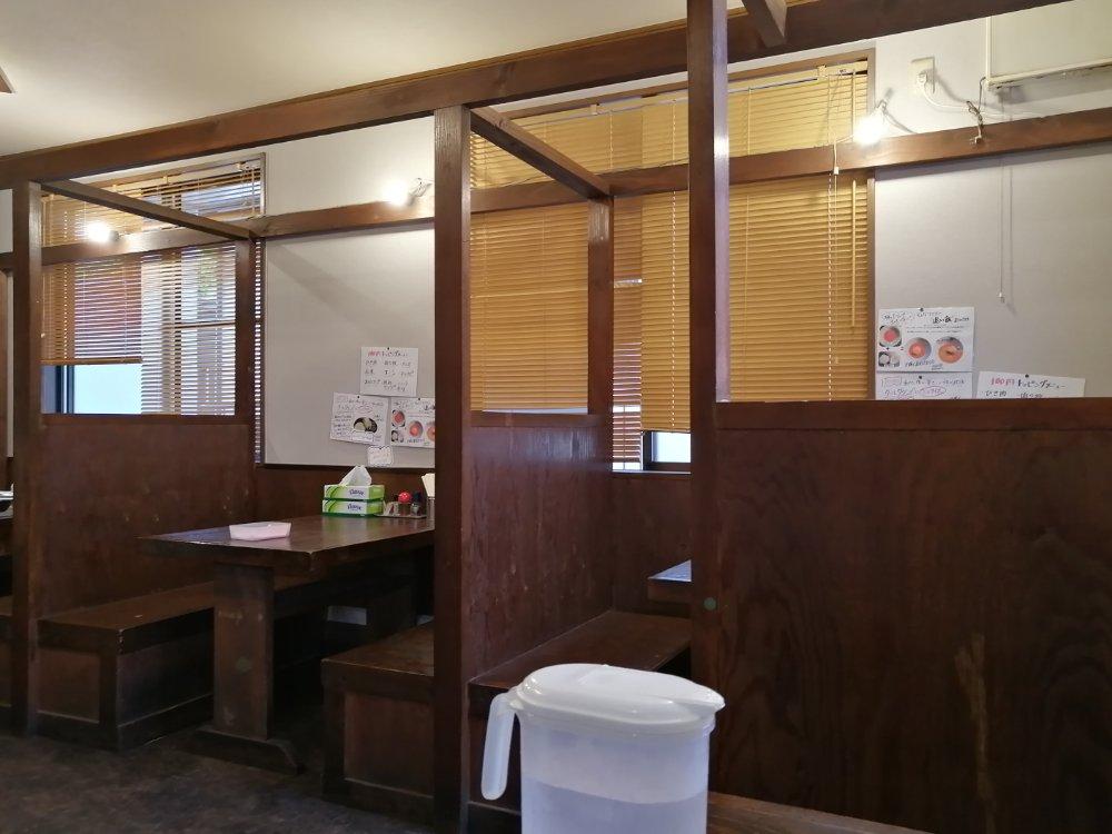 担々麺専門 麺香れんげ 店内