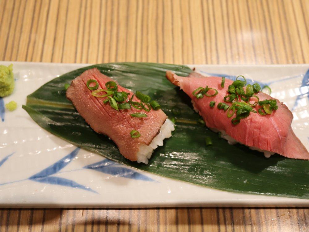 ローストビーフと牛タン寿司