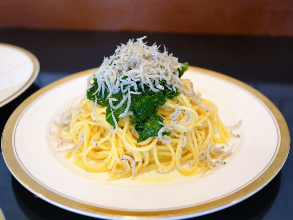相馬の山盛りしらすとふき味噌のスパゲッティ(福島)