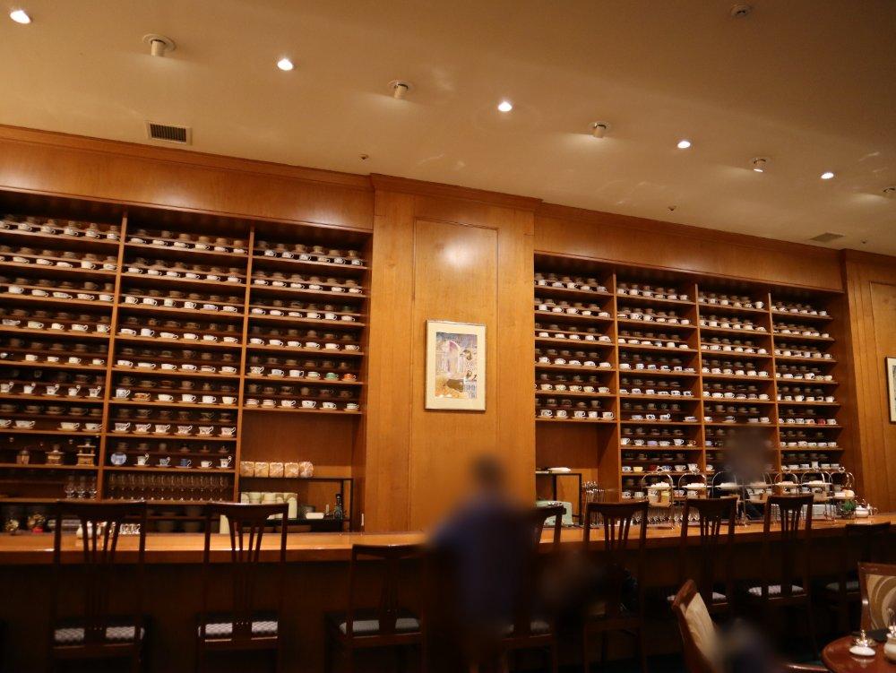 ホシヤマ珈琲店アエル店の並んでいるカップ