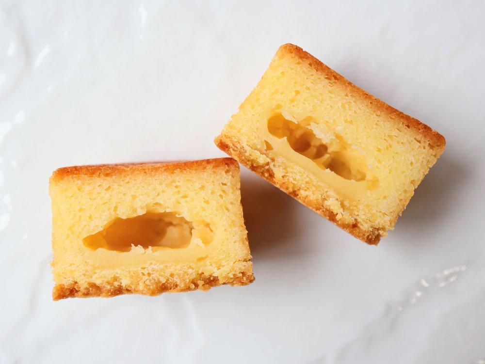 カットしたクラフトバターケーキ
