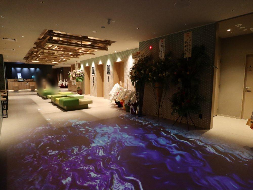 変なホテル仙台国分町のロビー