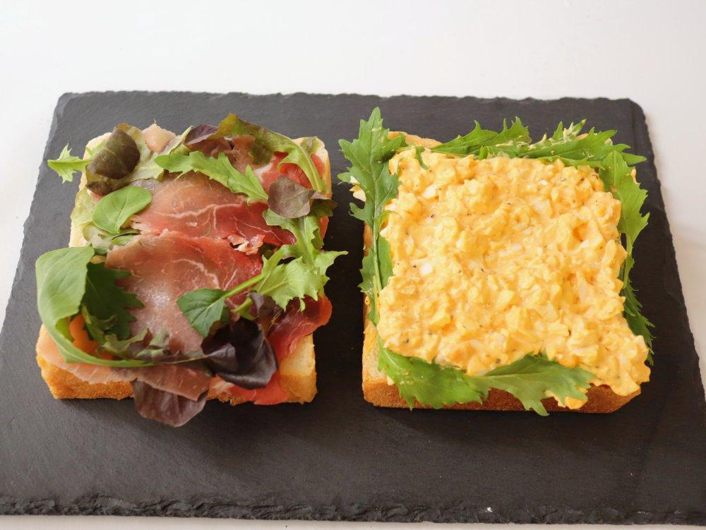 麦の蔵の食パンでサンドイッチ