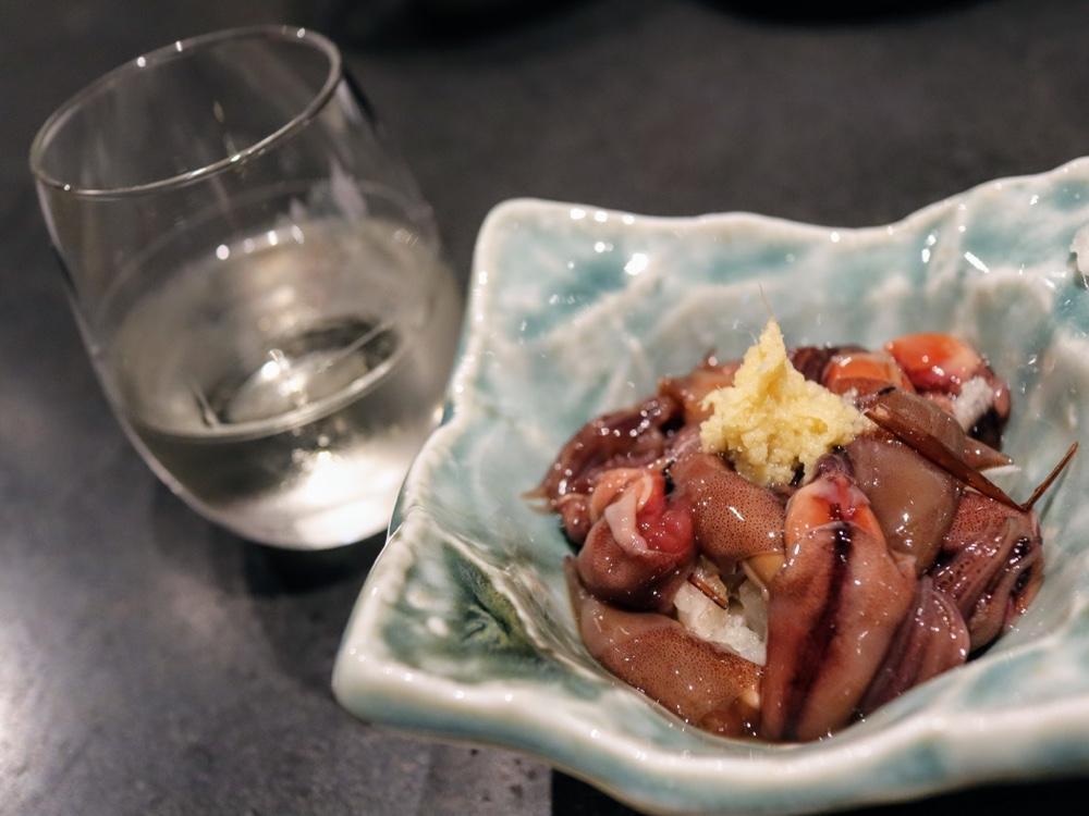 ホタルイカ沖漬けと日本酒